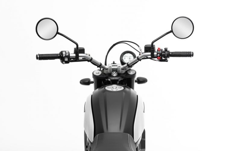 My20 Ducatiscrambler Icon Dark 09 Uc101423 Mid