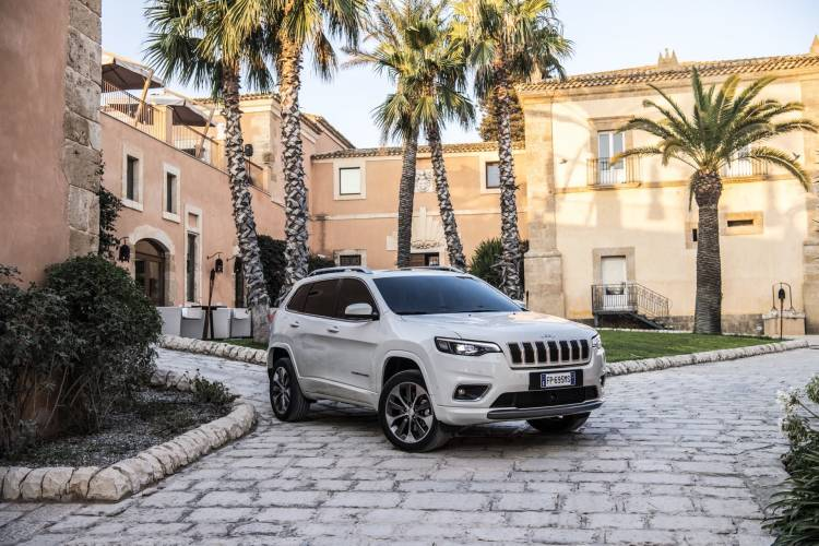 New Jeep Cherokee Overland 12