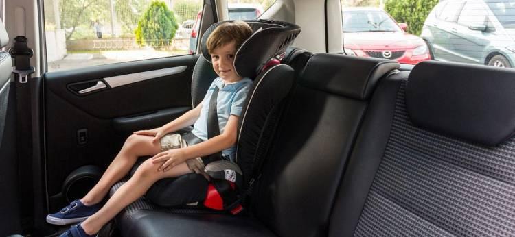 niño-asiento-trasero