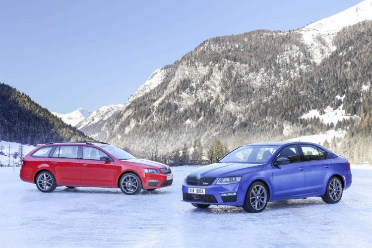 nieve skoda octavia rs 750x - 10 tips on how to travel by car with snow