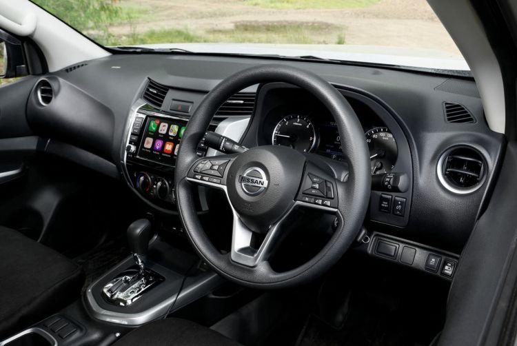 Nissan Navara Frontier 2021 1120 030