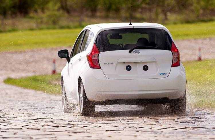 Nissan Note Ultra-Ever Dry