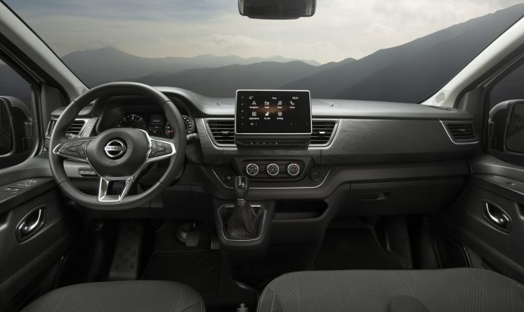 Nissan Nv300 2021 2 Interior