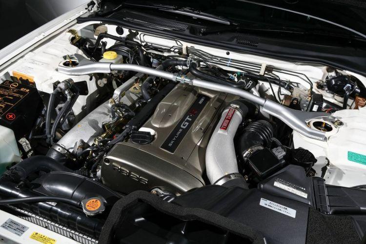 Nissan Skyline Gt R V Spec Ii Nur 12