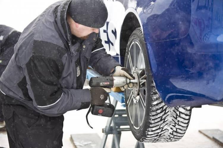 335,713 km/h: Nokian Tyres bate el récord mundial de velocidad sobre hielo con un Audi RS6