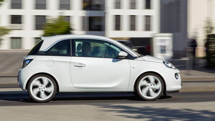 Opel ADAM Black Link y White Link