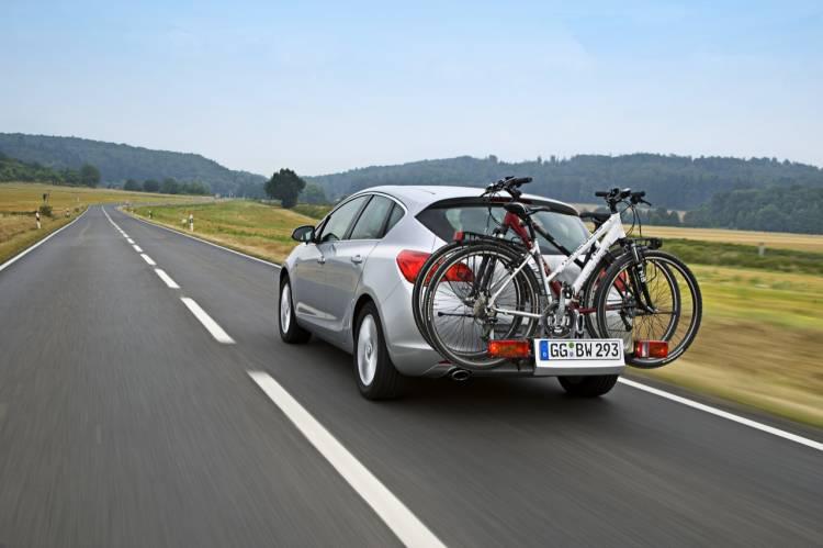 Sistema Flexfix para el transporte de bicicletas en el Opel Astra