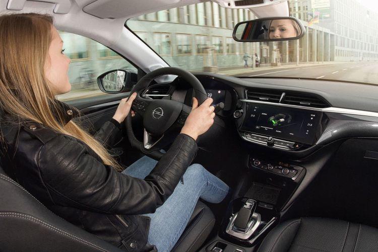 Opel Corsa E 2020 Interior Prueba 12
