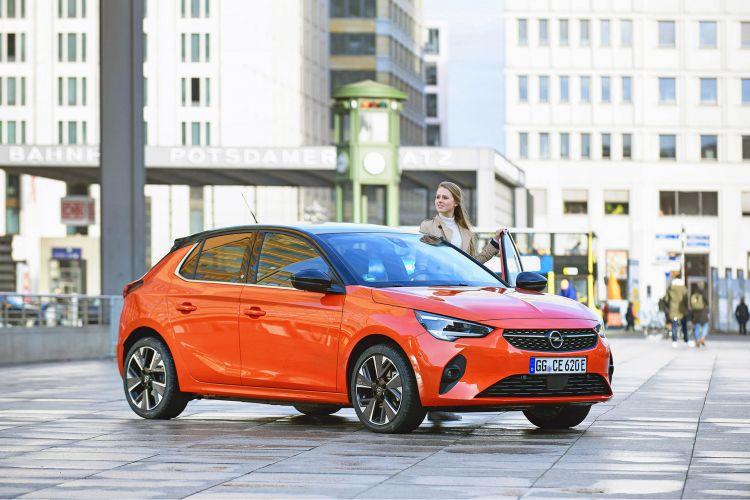 Opel Corsa E 2020 Naranja Prueba 53