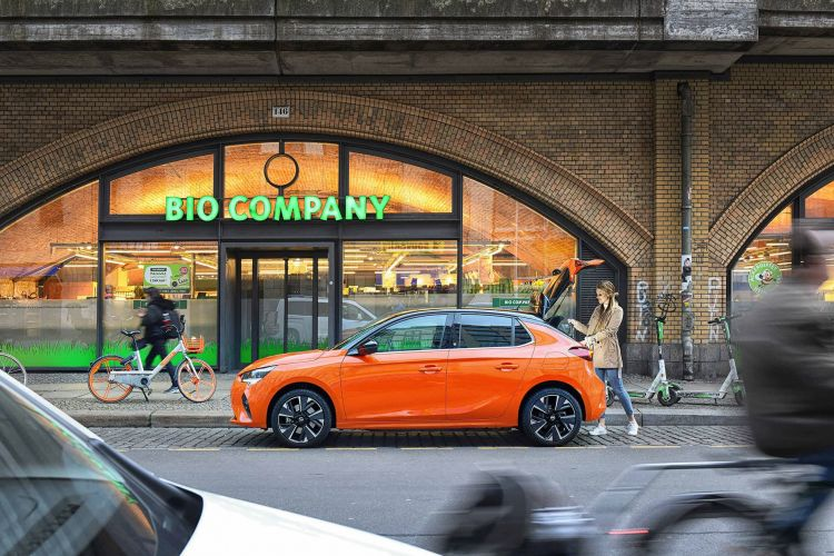 Opel Corsa E 2020 Naranja Prueba 61