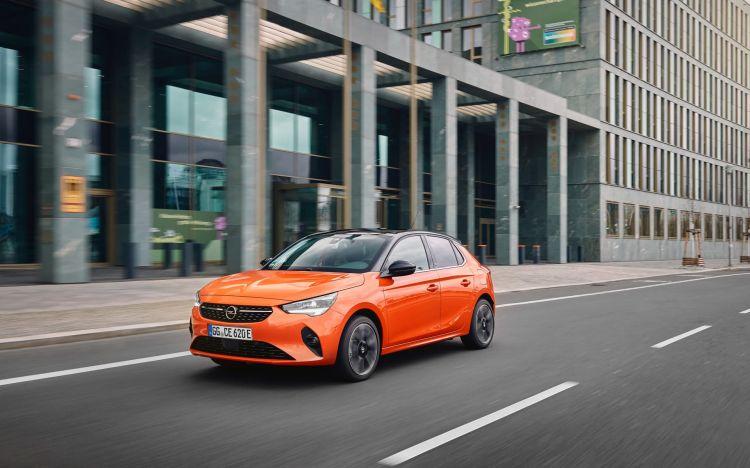Opel Corsa E Oferta Moves 0421 Exterior 02