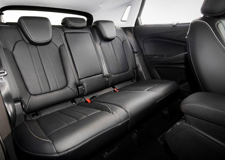 Opel Grandland X Hybrid4 Interior 01
