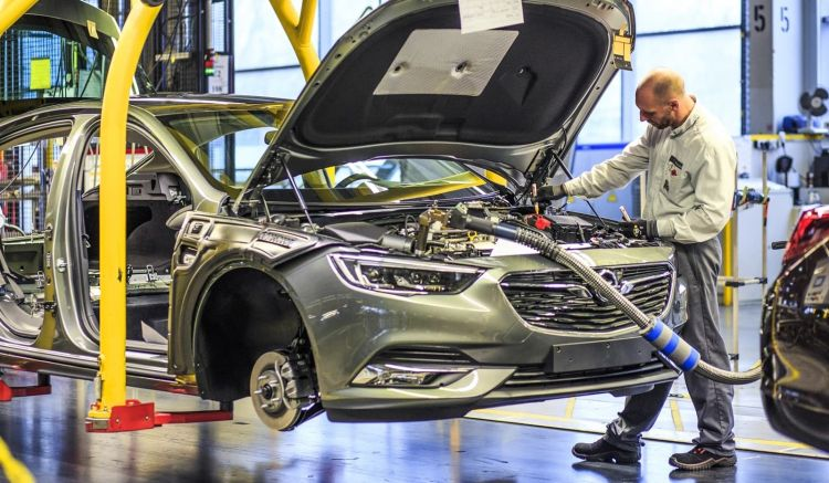 Opel Insignia Fabrica 0220 01