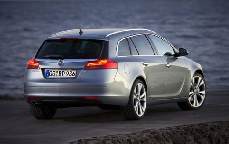 opel-insignia-sports-tourer-11