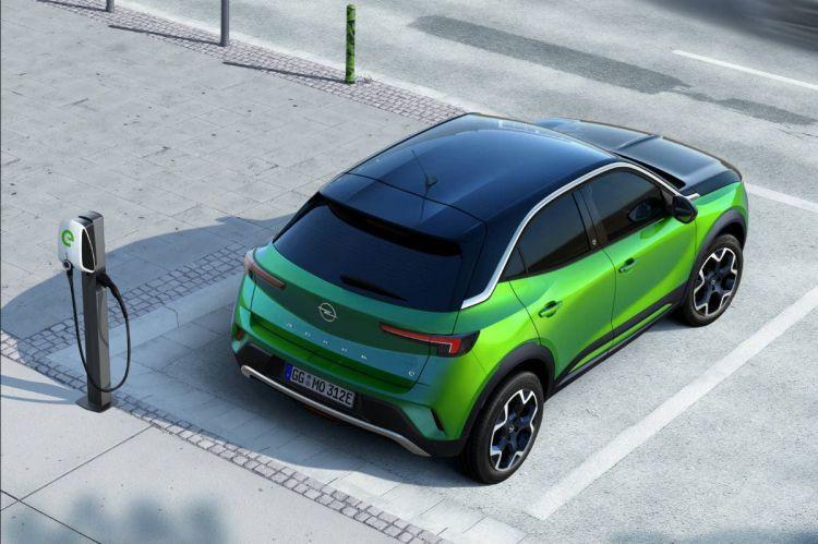 Opel Mokka E 2020 Verde 04