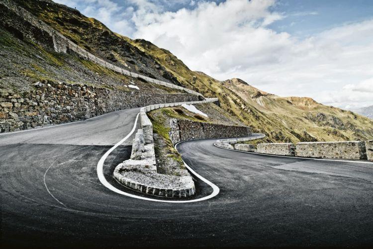 Paso del Stelvio (Porsche Media, Christophorus Magazine)