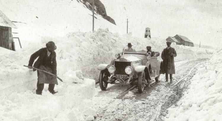 Radley y su Silver Ghost en el Paso Pordoi, 1912