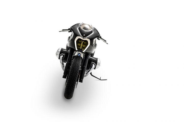 P90396873 Highres Bmw Motorrad Present