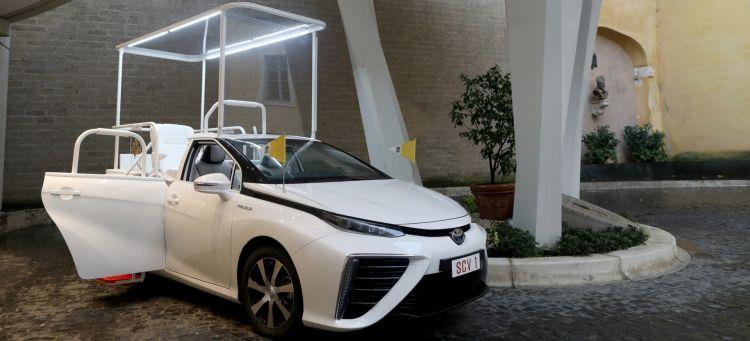 Papamovil Toyota Mirai Hidrogeno Portada