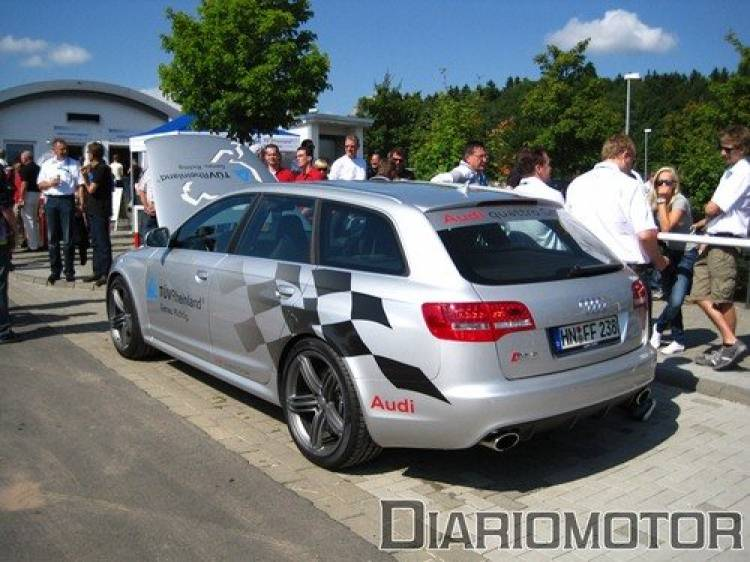 Visitando el parking del Nürburgring