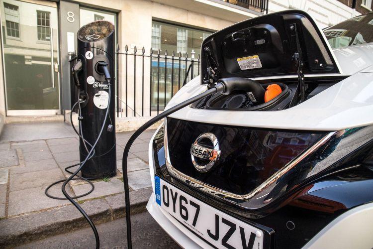 Peaje Coche Cambio Climatico Nissan Leaf Electrico