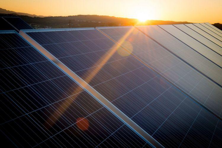 Peaje Coche Cambio Climatico Paneles Solares Seat