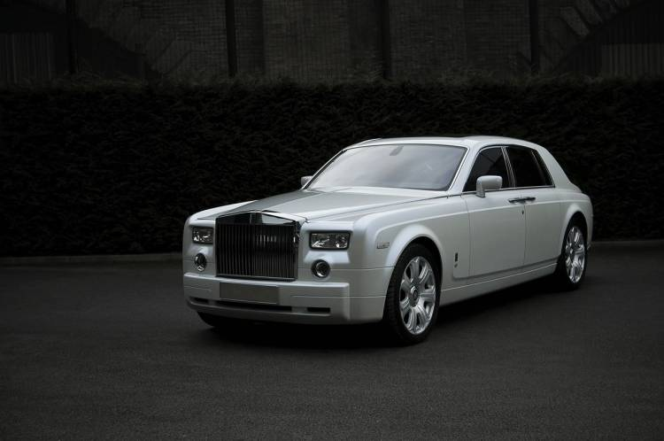 Rolls Royce Phantom White Pearl by Project Kahn