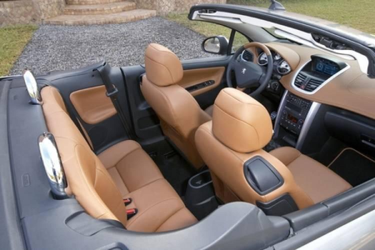 Peugeot 207 CC interior
