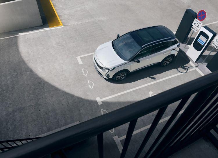 Peugeot 3008 2021 Hev Exterior 01