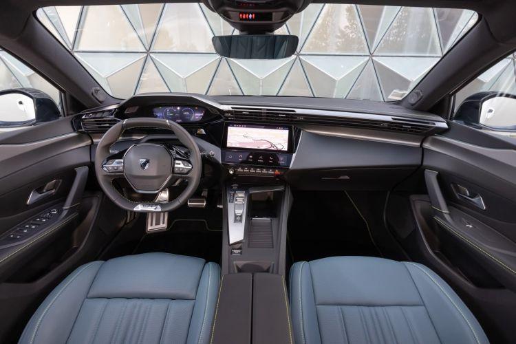 Peugeot 308 2022 0921 001