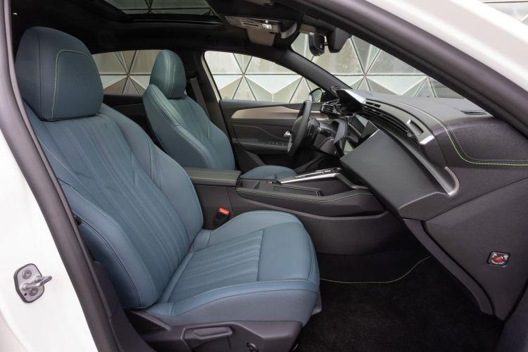 Peugeot 308 2022 0921 015