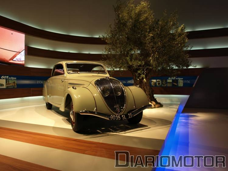 Peugeot 402 en el Salón de Barcelona