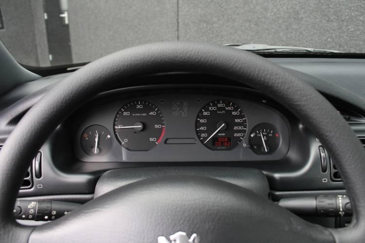 Peugeot 406 Capsula Tiempo 10