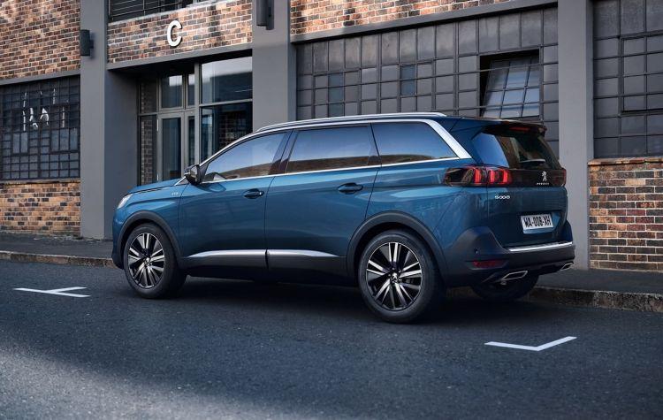 Peugeot 5008 2021 0820 001