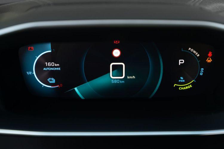 Peugeot E 2008 Prueba 4