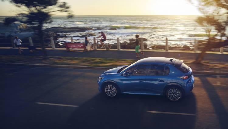 Peugeot E 208 2019 Azul Exterior 04