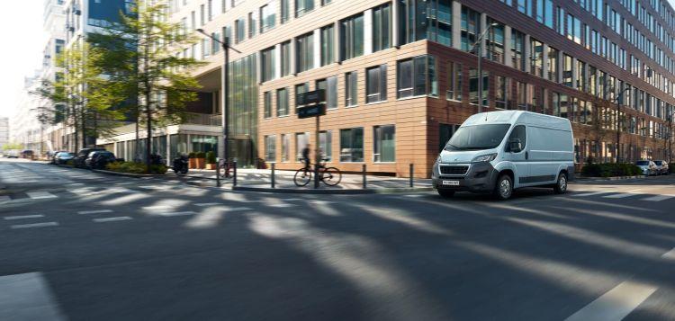 Peugeot E Boxer Furgoneta Electrica 03