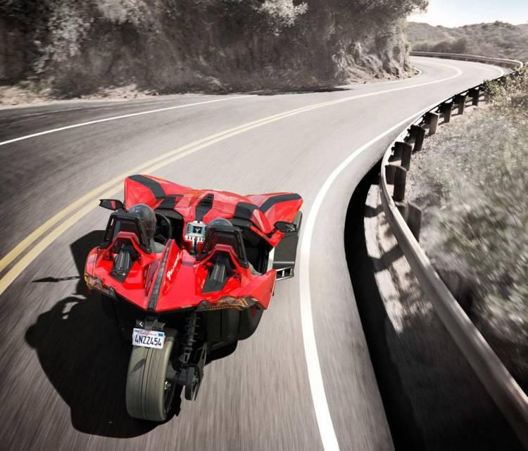 Polaris Slingshot, diversión sin aditivos: 175 caballos para 771 kg y sólo 3 ruedas