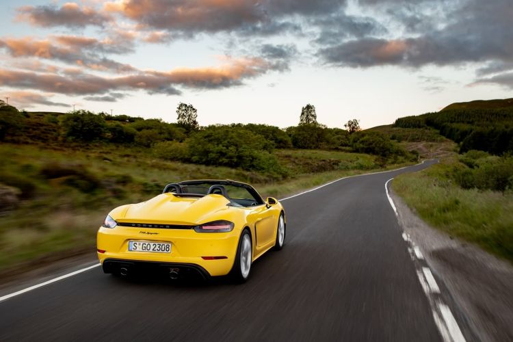 Porsche 718 Spyder 0719 124