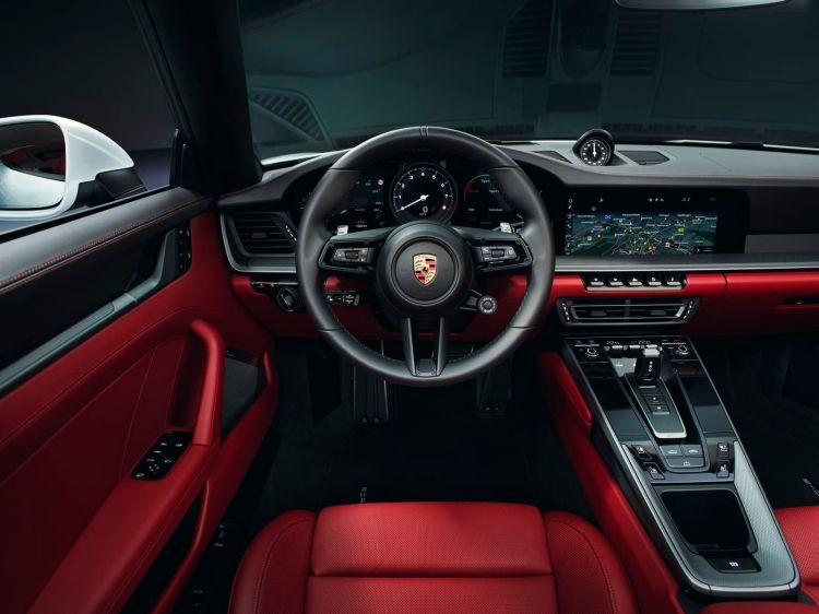 Porsche 911 Carrera 2020 0719 002