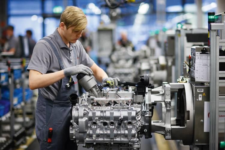 porsche-911-fabrica-motor-zuffenhausen-06-1440px