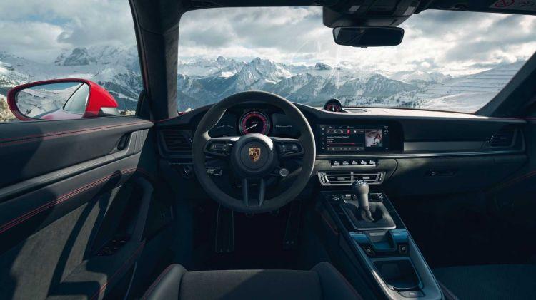 Porsche 911 Gts 012