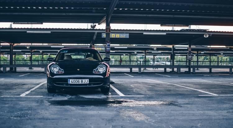 Porsche 911 Parking Madrid