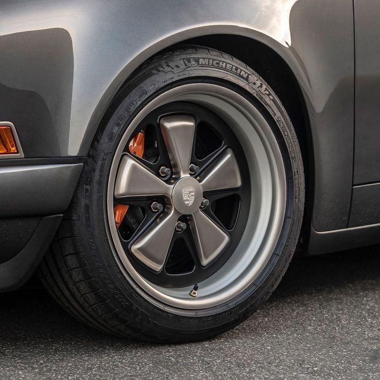 Porsche 911 Singer Dm Gris 4