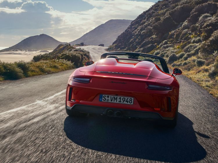 Porsche 911 Speedster 2019 Rojo 06