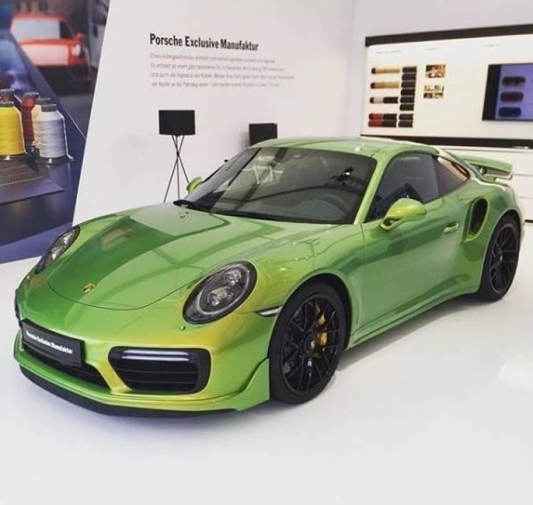 porsche-911-turbo-s-exclusive-series-phyton-green_2