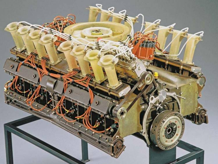 porsche-917-16-cilindros-2