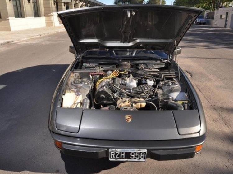 8f5492d96 Pero el amor fue truncado, puesto que vendió el coche año y medio después  de registrarlo a su nombre. La razón fue su traspaso al Fútbol Club  Barcelona.