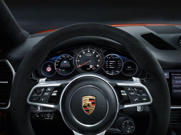 Porsche Cayenne Coupe 1 Interior