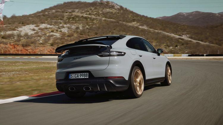 Porsche Cayenne Turbo Gt 2021 0621 010